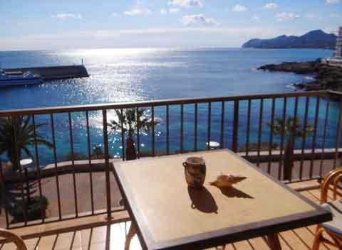 finca ferienhaus mallorca mit meerblick und pool luxus. Black Bedroom Furniture Sets. Home Design Ideas
