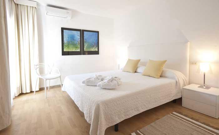 Schlafzimmer mit Klimaanlage Ferienhaus mit Pool Cala Ratjada PM 5475