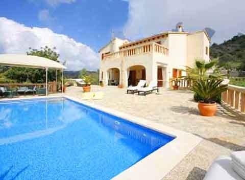 Großer Pool der Finca bei Arta Mallorca für 10 Personen PM 5681