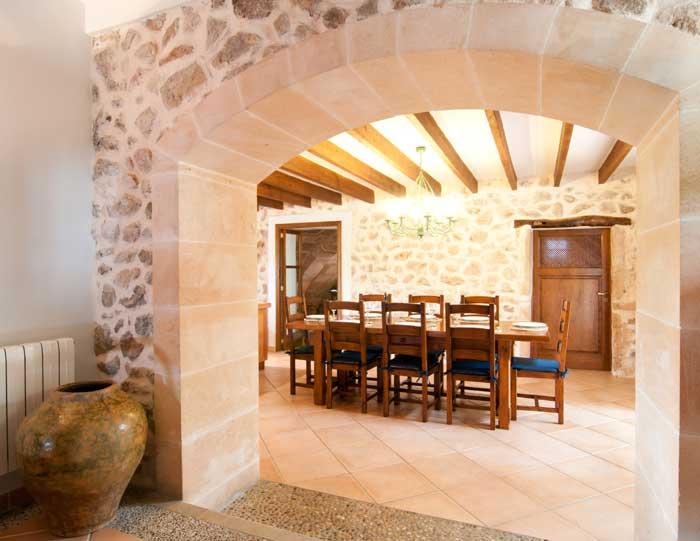 Essplatz Finca Mallorca mit Pool für 8 Personen bei Arta PM 569