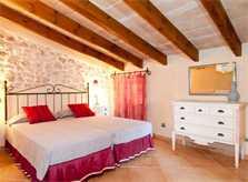 Schlafzimmer 1 Finca Mallorca mit Pool für 8 Personen bei Arta PM 569