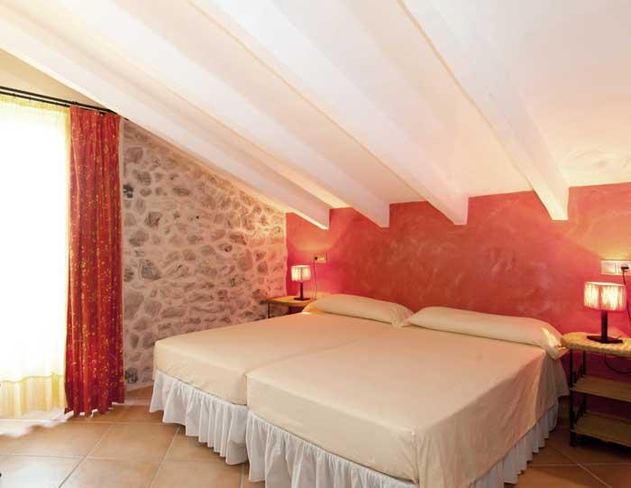Schlafzimmer 2 Finca Mallorca mit Pool für 8 Personen bei Arta PM 569