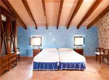 Schlafzimmer 3 Finca Mallorca mit Pool für 8 Personen bei Arta PM 569