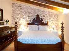 Schlafzimmer 4 Finca Mallorca mit Pool für 8 Personen bei Arta PM 569