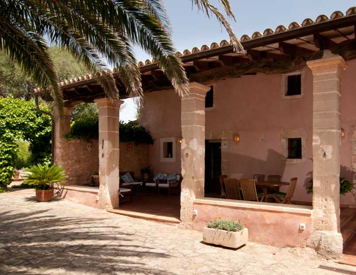 Blick auf die Terrasse Finca mit Pool Mallorca 8 Personen Arta PM 569