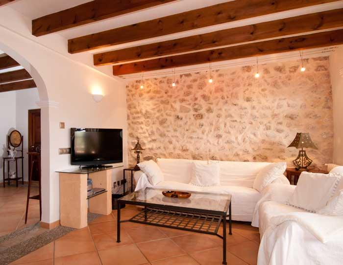 Wohnraum Finca Mallorca mit Pool für 8 Personen bei Arta PM 569