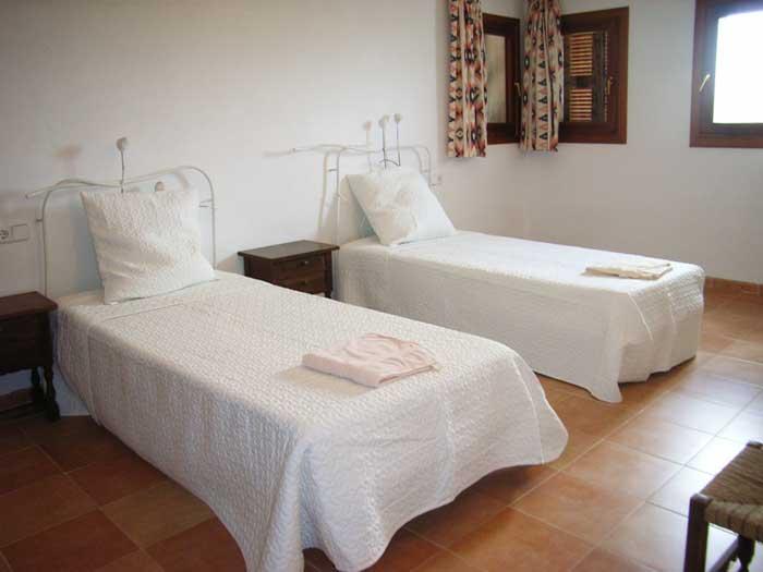 Schlafzimmer 4 Finca Mallorca für 12 Personen mit Pool PM 597