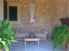 Terrasse mit Sofa Finca Mallorca mit Pool PM 6022