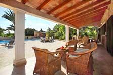 Überdachte Terrasse Ferienhaus Mallorca mit Pool für 10 Personen PM 6091