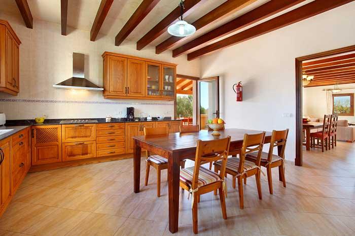 Geräumige Küche Finca Mallorca PM 6093