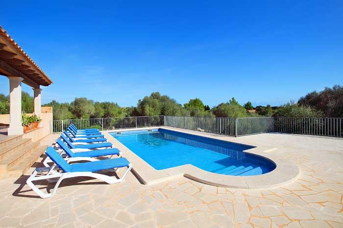 Terrassenbereich am Pool Finca Mallorca PM 6093