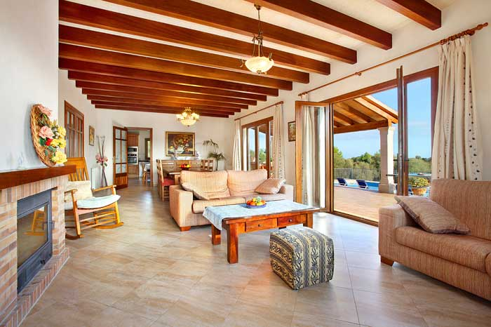 Wohnraum mit Zugang zur Terrasse Finca Mallorca PM 6093