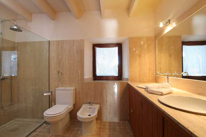 Badezimmer mit Regenwasserdusche Exklusive Finca Mallorca mit großem Pool und Klimaanlage PM 6094