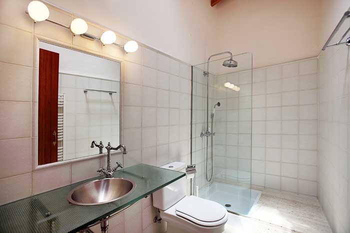 Badezimmer in modernem Design Exklusive Finca Mallorca mit großem Rasengarten, Pool und Klimaanlage PM 6094