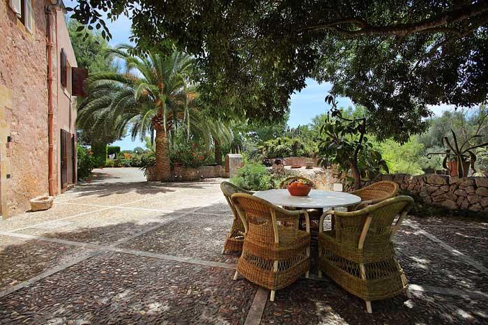 Schatten auf der Terrasse Exklusive Finca Mallora mit großem Pool PM 6094