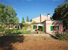Hintere Ansicht mit Terrasse und Sitzbereich Luxusfinca Mallorca mit großem Pool und Garten PM 6094