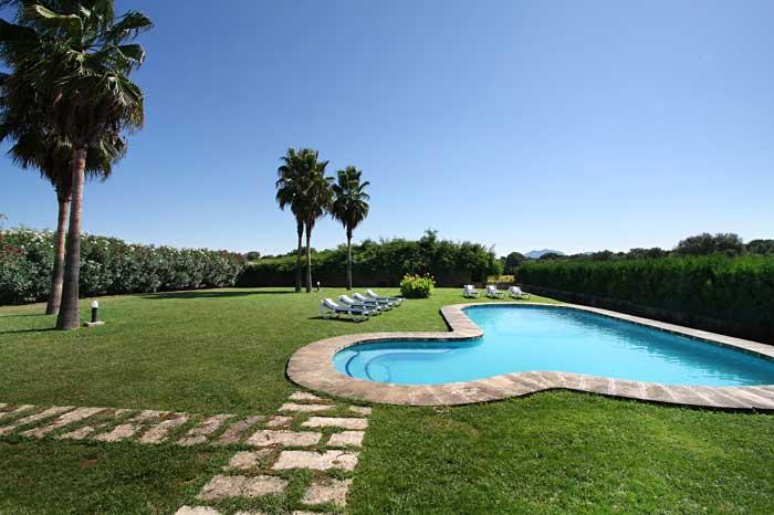 Großer Pool mit Gartengrundstück Exklusive Finca Mallorca für 16 Personen PM 6094