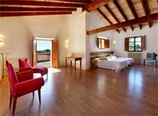 Schlafzimmer mit Zugang zur Sonnenterrasse Eklusive Finca Mallorca mit großem Pool PM 6094