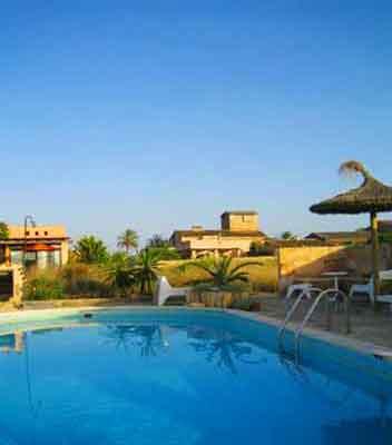 Blick auf den Pool und und die Finca Ferienwohnung Mallorca PM 6155