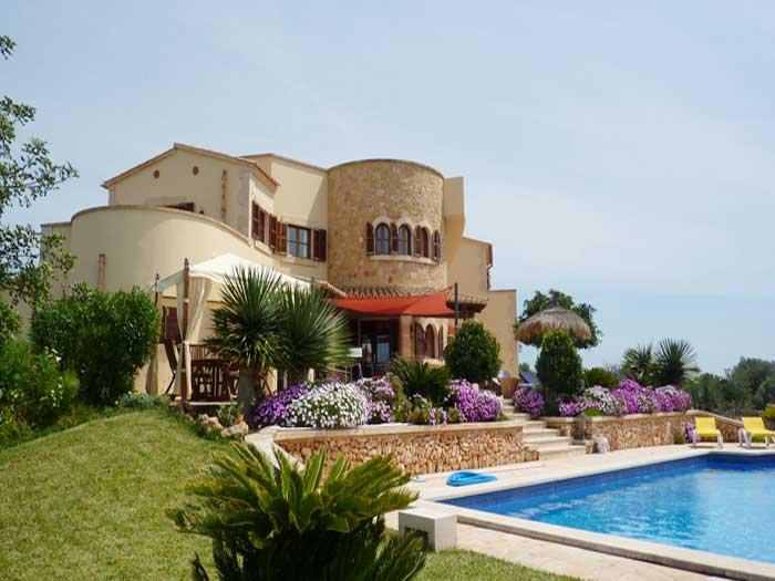 Blumen 2 Schlafzimmer Exklusives Ferienhaus Mallorca mit Pool für 10 Personen PM 646