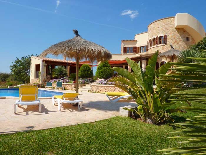 Blick auf das Ferienhaus Mallorca Santanyi PM 646