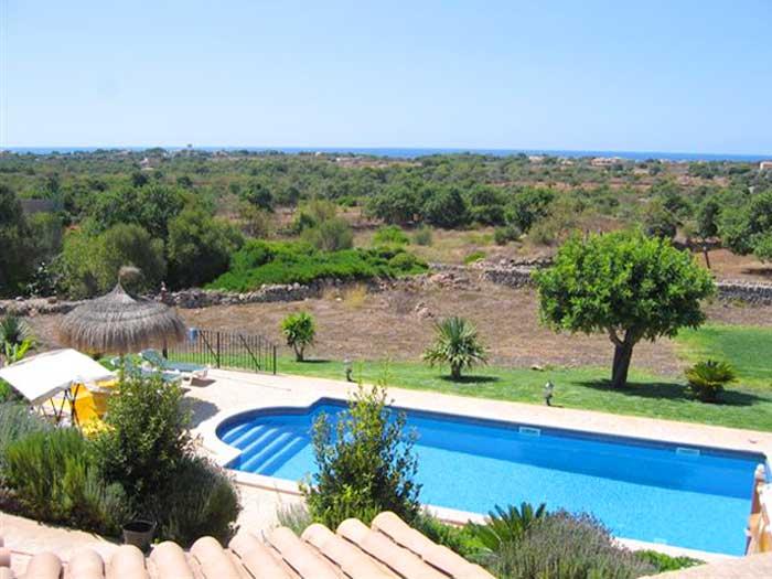 Pool von oben Exklusive Finca Mallorca mit Pool für 10 Personen PM 646