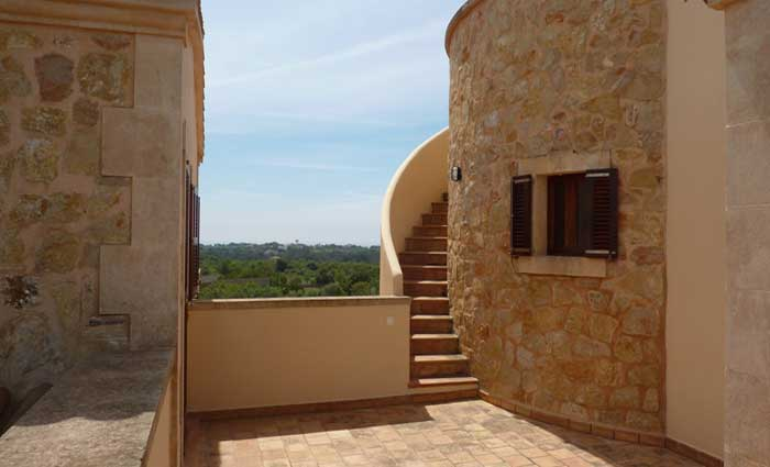 Aufgang zum Turm Exklusive Finca Mallorca mit Pool für 10 Personen PM 646