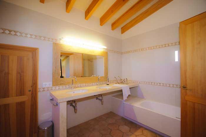 Attraktives Badezimmer Erstklassige Finca Mallorca PM 6543 für 10 Personen Privatpool Wlan Klimaanlage Santanyi Cala D'Or