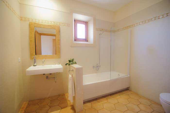 Modernes Badezimmer Finca Mallorca 10 Personen mit Pool Klimaanlage Internet 5 Schlafzimmer PM 6543