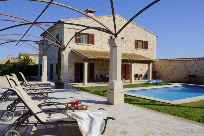 Terrasse mit Gartenbereich Exklusive Finca Mallorca Großer Pool PM 6543 Mallorca Südosten Es Llombards Santanyi Cala D'Or