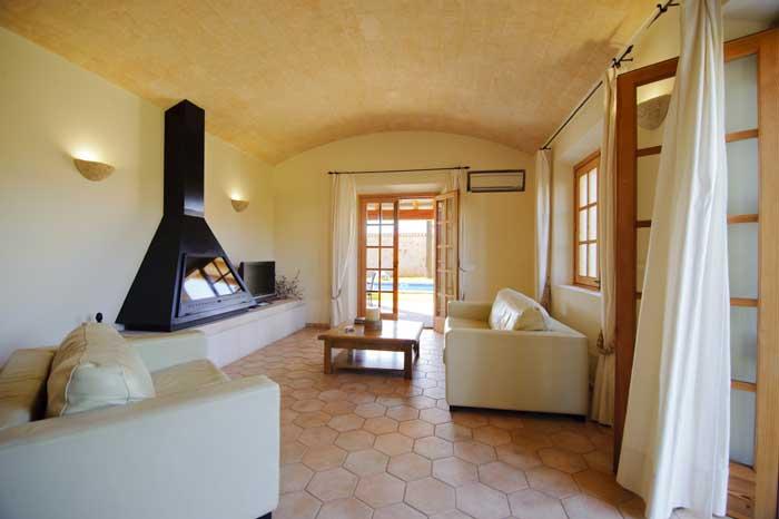 Wohnzimmer mit moderner Einrichtung Komfortable Finca Mallorca PM 6543 Pool 10 x 5 m Cala D'Or Es Llombards