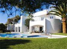 Pool und Garten mit Rasen Große Ferienvilla Mallorca Meerblick 8 Personen Klimaanlage Südosten Mallorca Cala D'Or PM 6562