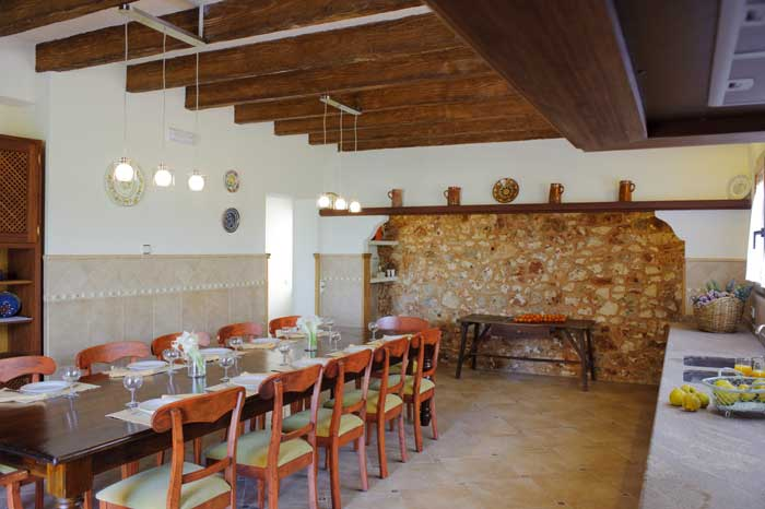 Küche mit Essplatz Finca Mallorca Südosten 12 - 14 Personen PM 6563