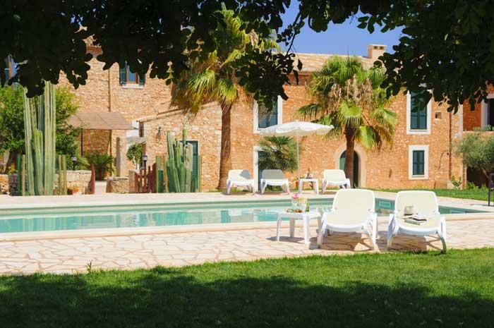 Pool und Haus 4  Finca Mallorca Südosten 12 - 14 Personen PM 6563