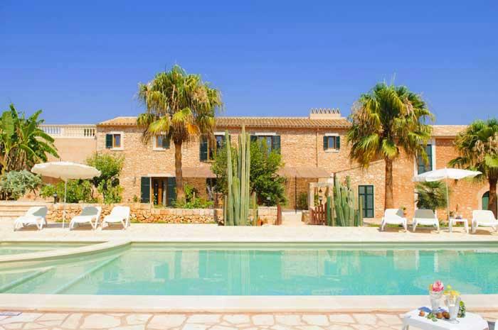 Pool und Haus 5 Große Finca Mallorca Südosten 12 - 14 Personen PM 6563