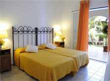 Schlafzimmer 4 Ferienhaus Mallorca mit Pool für 10 Personen PM 6570