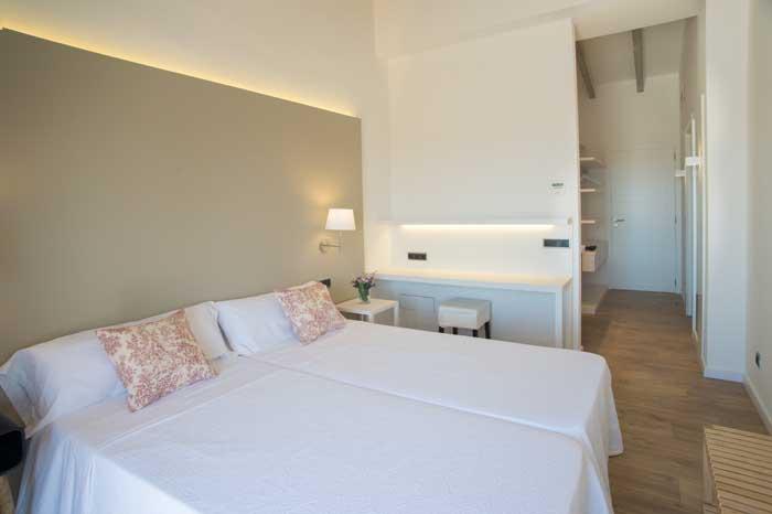 Schlafzimmer 4 mit Klimaanlage Finca Mallorca mit Pool für 10 Personen PM 6572