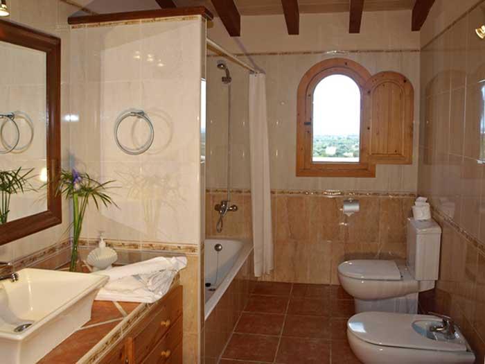 Bad 1 Finca Mallorca mit Pool für 12 Personen PM 658