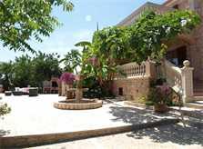 Blick auf die Finca Mallorca mit Pool für 12 Personen PM 658