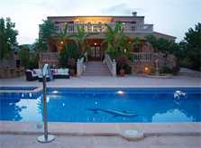 Poolblick Finca Mallorca am Abend 12 Personen PM 658