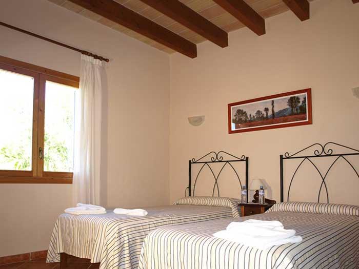 Schlafzimmer 1 Finca Mallorca mit Pool für 12 Personen PM 658