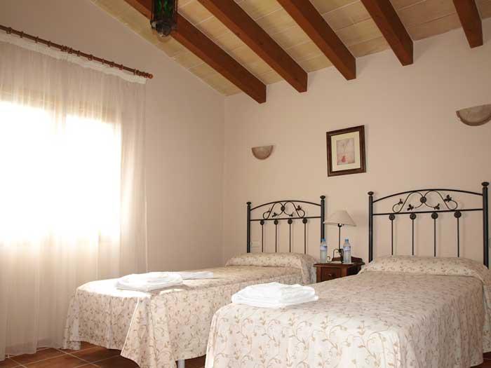 Schlafzimmer 3 Finca Mallorca mit Pool für 12 Personen PM 658