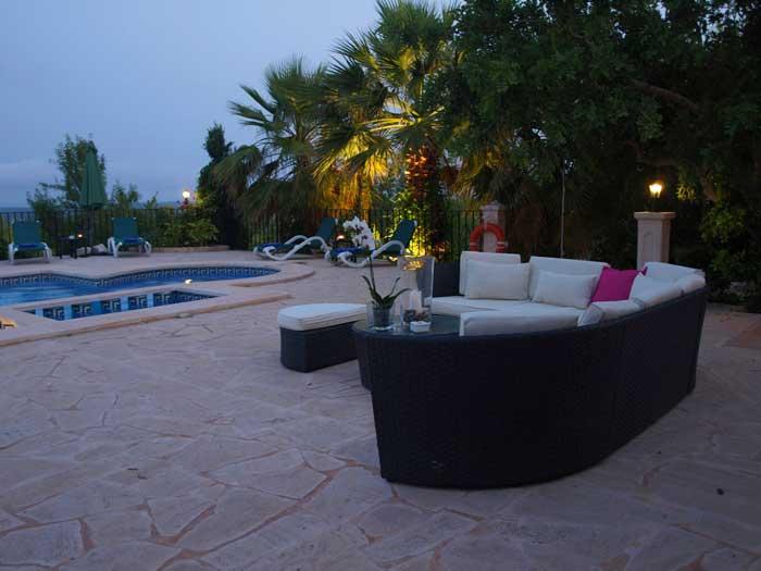 Abendstimmung Terrasse Finca Mallorca mit Pool für 12 Personen PM 658