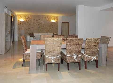 Offener Wohnbereich mit hochwertiger Möblierung Moderne  Finca Mallorca mit Pool 8 - 10 Personen PM 678