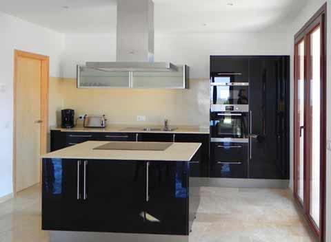 Luxuriöse Küche mit Kochinsel Hochwertige Finca Mallorca Südosten Großer Pool Internetanschluss 8-10 Personen PM 678