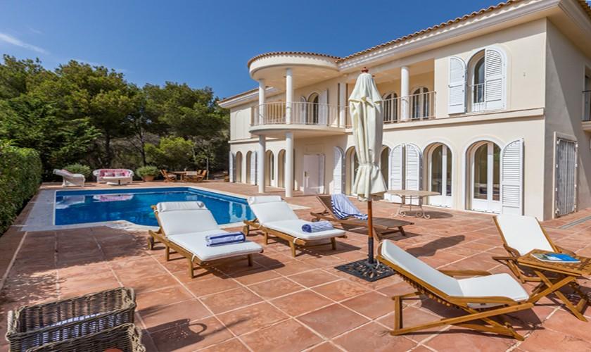 Pool und Villa Ibiza für 4-5 Personen IBZ 17
