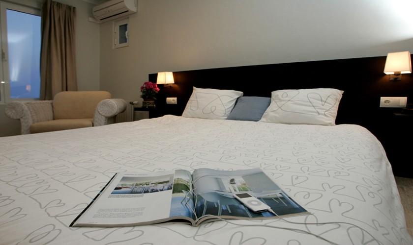 Schlafzimmer Villa Ibiza mit Meerblick IBZ 19
