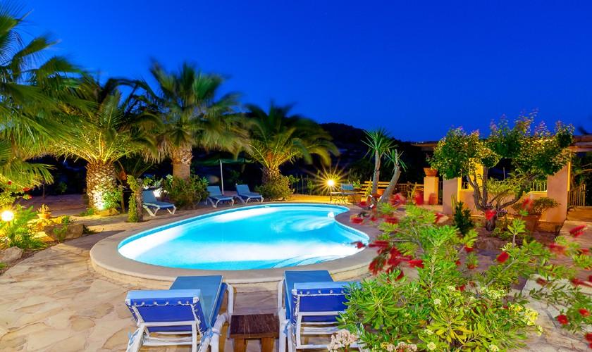 Pool am Abend Finca Ibiza IBZ 22