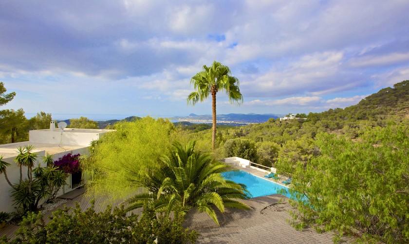 Blick und Pool Ferienfinca Ibiza 10 Personen IBZ 25