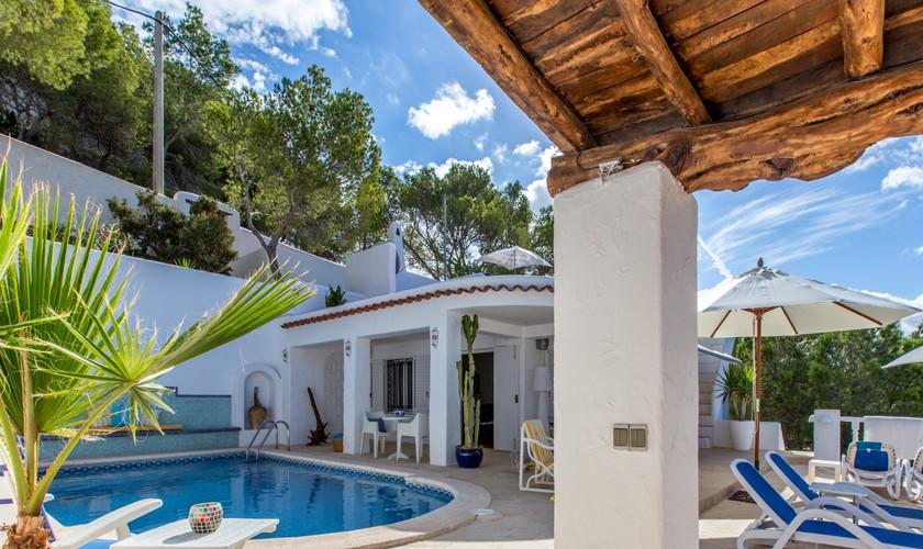 Pool und Terrasse Ferienhaus Ibiza IBZ 31